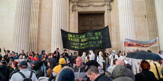 Après l'incendie de l'usine Lubrizol de Rouen, le gouvernement tente, tant bien que mal, de rassurer