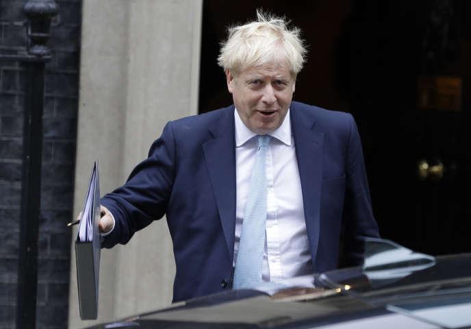 Boris Johnson, à sa sortie de Downing Street, le 3 octobre, à Londres.
