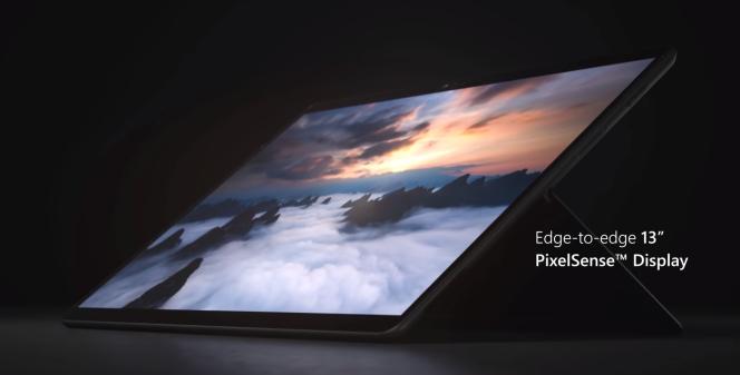 Les mensurations de la Surface ProX sont très proches de celles d'un iPadPro 13pouces.