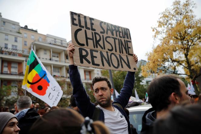 Manifestation à Bobigny, le 3 octobre, à la suite du suicide d'une directrice de maternelle.