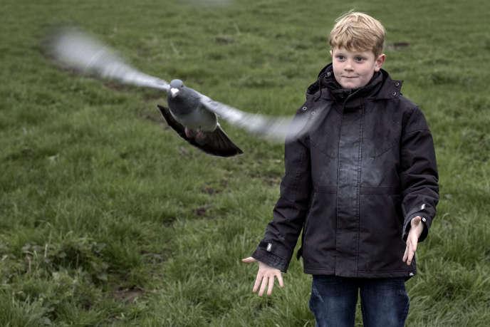 Mateo, 7 ans, est le narrateur d'« Allez garçon !» deLise Akoka et Romane Guéret.