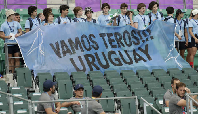 Des supporters de l'équipe d'Uruguay présents lors d'un entraînement des Teros le 4 octobre.