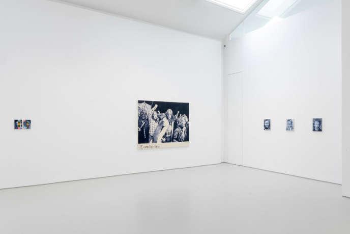 Vue de l'exposition de Giulia Andreani,« Art Must Hang».