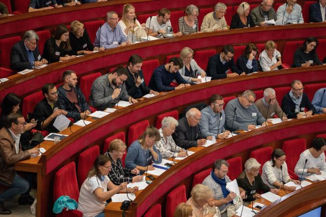 150 citoyens tirés au sort feront des propositions pour lutter contre le réchauffement climatique au Conseil économique social et environnemental (CESE)