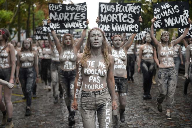 Manifestation des Femen à Paris, le 5octobre2019.