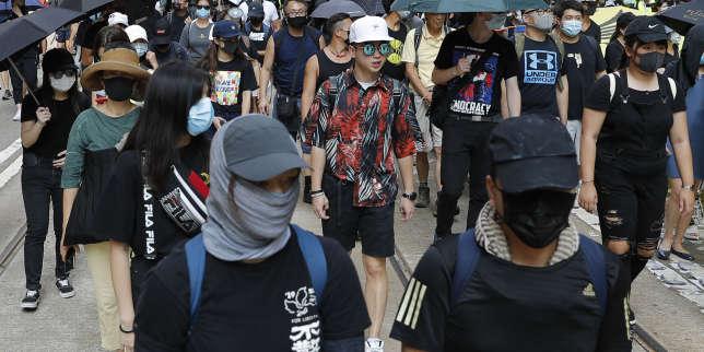 Hongkong paralysée par la crise, la cheffe de l'exécutif condamne les émeutiers