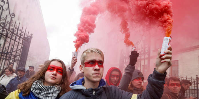 Donbass: le président ukrainien critiqué pour son attitude face à Poutine