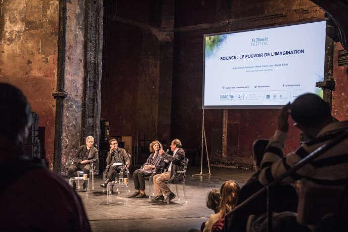 Aux Bouffes du Nord, le samedi 5 octobre, l'astrophysicien David Elbaz, le journaliste Nathaniel Herzberg, l'informaticienne Marie-Paule Cani et le médecin Jean-Claude Ameisen ont débattu autour du thème « Science : le pouvoir de l'imagination », dans le cadre duMonde Festival.