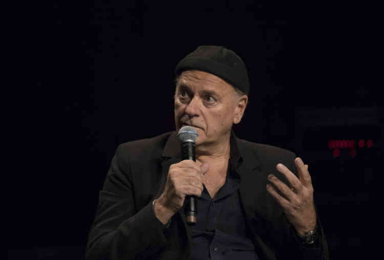L'imagination peut-elle, ou doit-elle, être prédictive ? La question était posé à l'artiste et cinéaste Enki Bilal dimanche 6 octobre au Théatre des Bouffes du Nord.