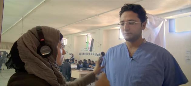 La réalisatrice syrienne Waad Al-Kateab et son mari, le docteur Hamza Khatib.