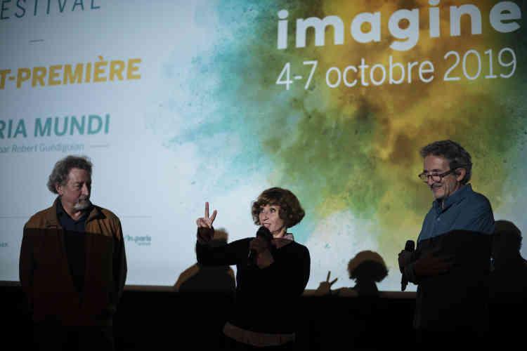 Le réalisateur Robert Guédiguian, et les acteurs Lola Naymark et Ariane Ascaride lors de l'avant-première de «Gloria Mundi» à l'Opéra Bastille, samedi5octobre.