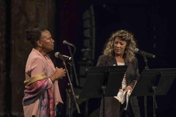 Christiane Taubira et Barbara Cassin ont absorbé le public des Bouffes du Nord dans la poésie résistante de René Char lors de la « Nuit de l'imaginaire», samedi5octobre2019.