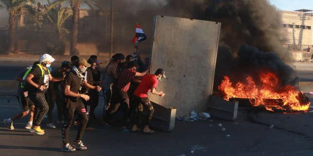 Plus de 100 manifestants tués en Irak après une semaine de contestation contre le chômage et la corruption
