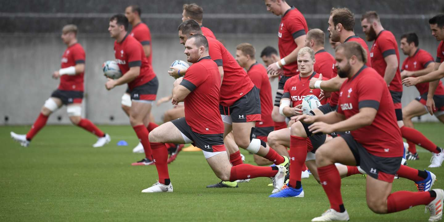 Wales' players take part in a  training session in Oita on October 7, 2019, during the Japan 2019 Rugby World Cup. (Photo by Christophe SIMON / AFP)