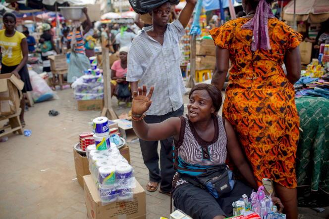 Sur le marché de Makola à Accra, en juin 2015.