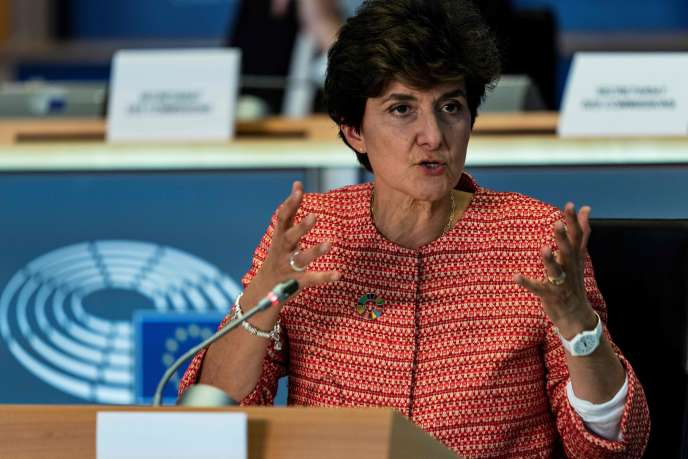 La candidate française au portefeuille du marché intérieur, Sylvie Goulard, lors de son audition au Parlement européen de Bruxelles, le 2 octobre.