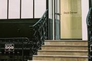 L'entrée sous verrière de la galerie David Zwirner, dans la cour du 108 de la rue Vieille-du-Temple.