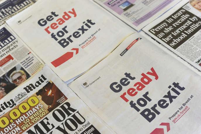 Au Royaume-Uni, une grande campagne d'information a été lancéun peu partout à travers le pays qui annonce :« Préparez-vous au Brexit ».