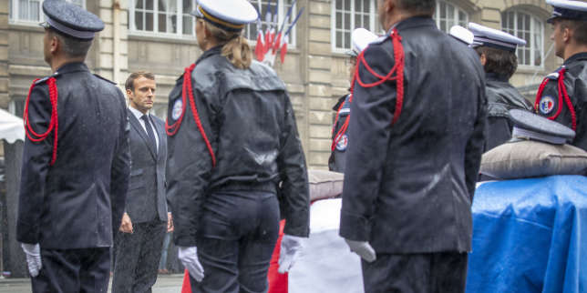 Après l'attaque de la Préfecture de police de Paris, Emmanuel Macron poussé à achever sa mue sur les sujets régaliens