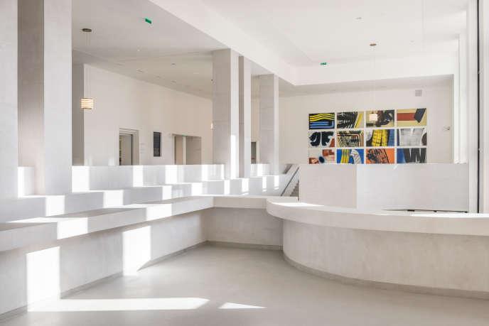 Le hall d'entrée du Musée d'art moderne de la Ville de Paris, le 7 octobre 2019, avant sa réouverture.