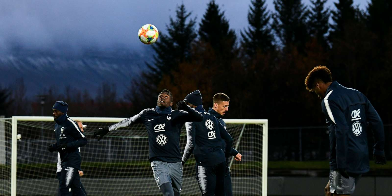 France's midfielder Blaise Matuidi takes part in a training session on the eve of the UEFA Euro 2020 qualifier Group H football match Iceland v France on October 10, 2019 in Reykjavik, Iceland. / AFP / Jonathan NACKSTRAND