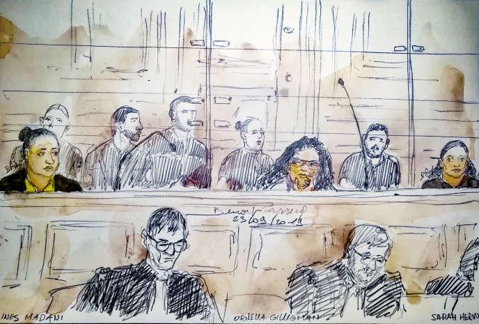 Ce croquis judiciaire réalisé le 23 septembre 2019 au palais de justice de Paris montre (de gauche à droite) Ines Madani, Ornella Gilligmann et Sarah Hervouët lors du procès de l'attentat raté près de Notre-Dame.