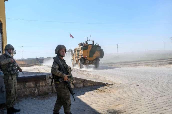 Des forces arabes alliées de l'armée turque entrent jeudi 10 octobre dansTall Abyad, ville syrienne contrôlée jusqu'ici par les forces kurdes, le long de la frontière avec la Turquie.
