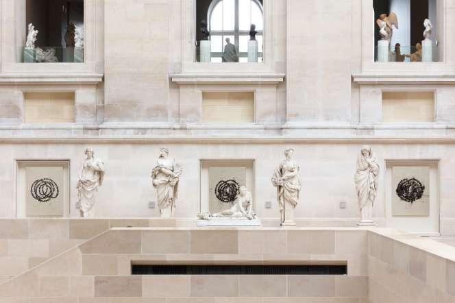 Trois tableaux de «La Rose du Louvre», par Jean-Michel Othoniel.
