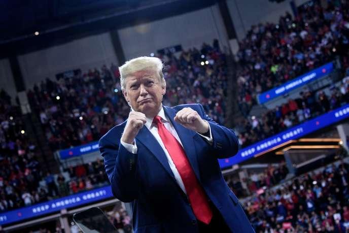 Le président américain lors d'un meeting politique à Minneapolis, jeudi 10octobre.