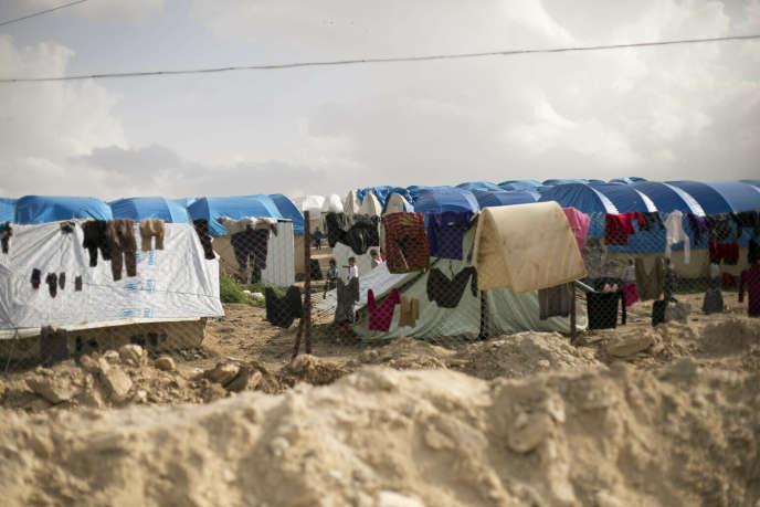 Le camp d'Al-Hol, qui abrite actuellement plus de 70000 déplacés, dont 12000 femmes et enfants étrangers, dans le nord-est de la Syrie, le 31 mars.