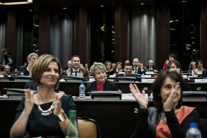 Marie-Guite Dufay (au centre), au conseil régional de Bourgogne-Franche-Comté, en janvier 2016.