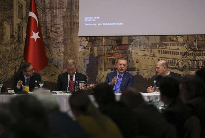 Le président turc, Recep Tayyip Erdogan, lors d'une conférence de presse le 13 octobre à Istanbul.