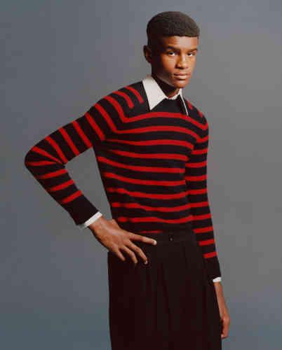 Pull et pantalon en laine, Saint Laurent par Anthony Vaccarello. Chemise en coton vintage.