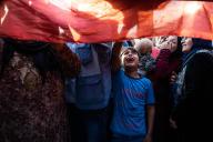 Un enfant pleure la mort d'un membre de sa famille, tué lors de l'opération turque «Source de paix», à Kamechliyé, le 12 octobre.