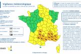 De fortes précipitations sont attendues, avec «de violentes rafales de vent, jusqu'à 110km/h localement », a averti Météo-France.