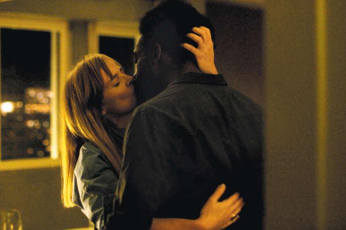 Isabelle Carré et Jean-Christophe Folly dans«L'Angle mort», de Patrick-Mario Bernard et Pierre Trividic.