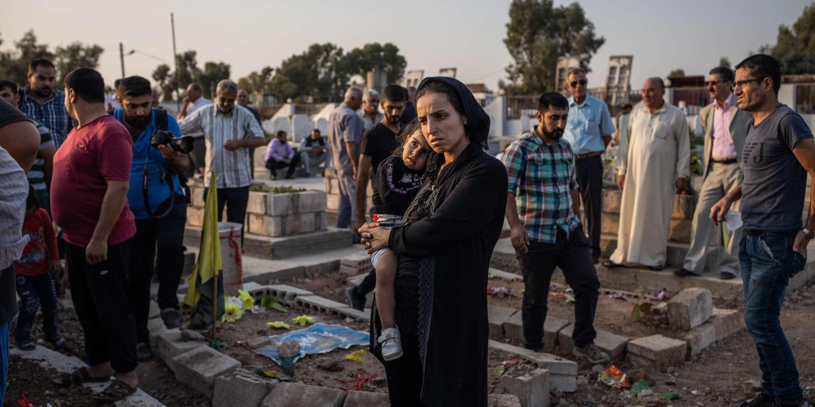 Enterrement de quatre habitants de Kamechliye et de ses environs au Kurdistan syrien, tués lors de l'opération turque