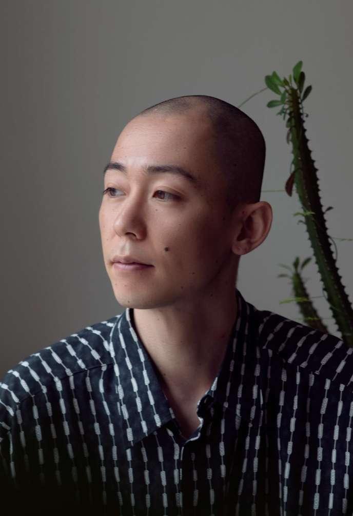 L'artiste Daisuke Kosugi.