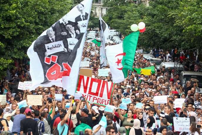 Manifestation antigouvernementale à Alger le 15 octobre 2019.