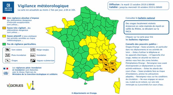 De fortes précipitations sont attendues, avec « de violentes rafales de vent, jusqu'à 110 km/h localement », a averti Météo-France.