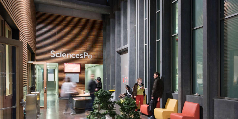 « Je le vis bien parce que ça ne dure que deux ans » : à Sciences Po, la vie à part des campus délocalisés