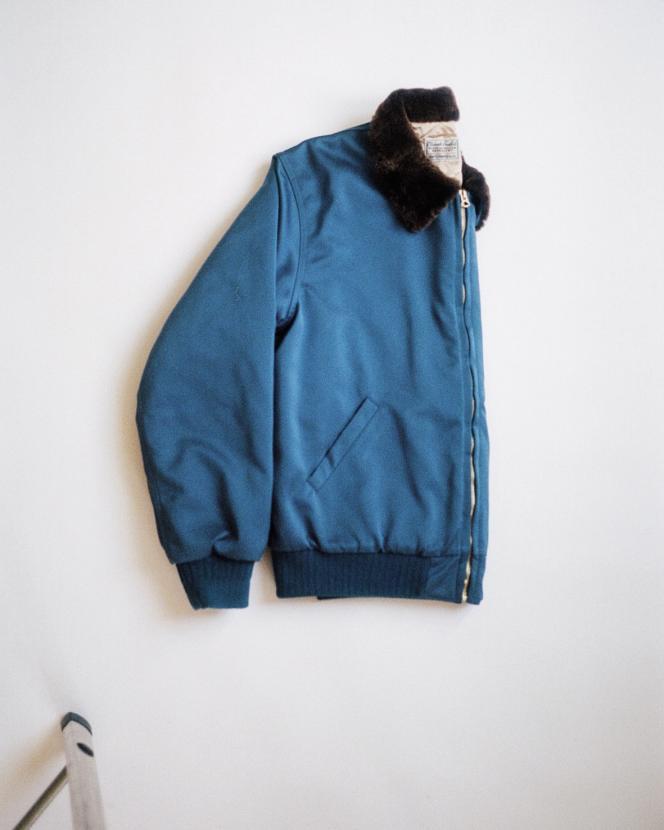 Bomber en Nylon, Levi's® Vintage Clothing, 390€. Stylisme de Laëtitia Leporcq.