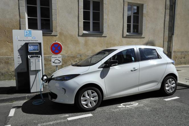 Une borne de recharge à La Roche-sur-Yon (Vendée).