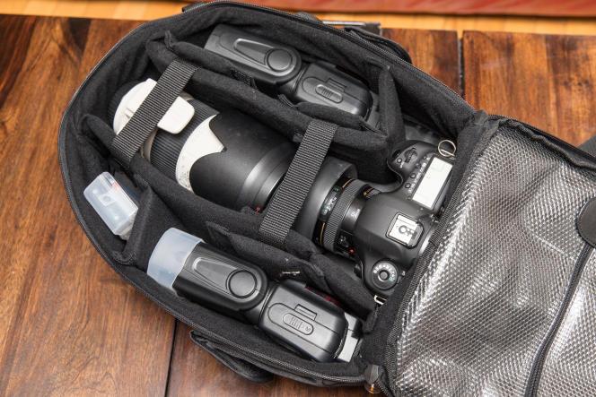 Pour un sac compact et abordable, l'AmazonBasics contient une quantité étonnante de matériel.