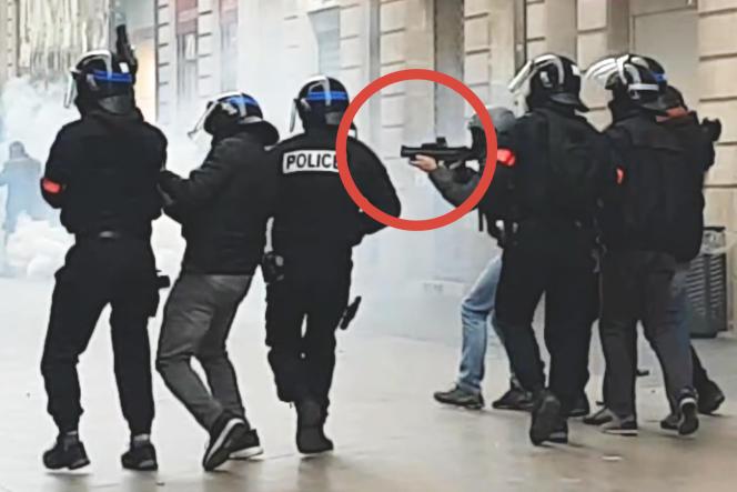 Le 12 janvier à Bordeaux, un tir de LBD vise un manifestant.