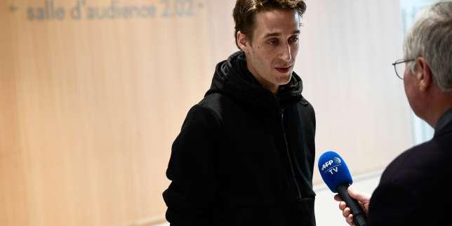 Doigt d'honneur à des policiers: amende de300euros requise contre lejournaliste Gaspard Glanz