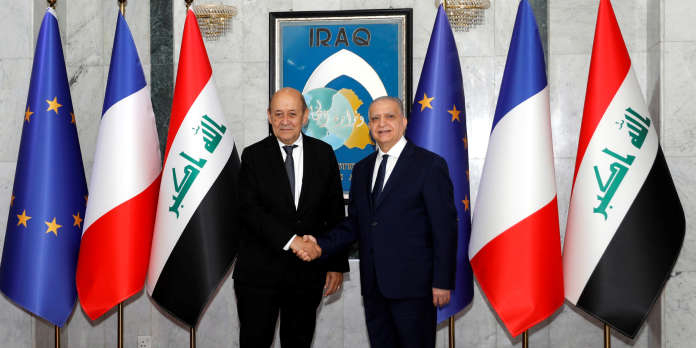 Le Drian en Irak pour discuter du sort des djihadistes étrangers de l'Etat islamique