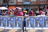 Des affiches de campagne d'Evo Morales, dans une rue d'El Alto, près de La Paz en Bolivie, le 16 octobre.