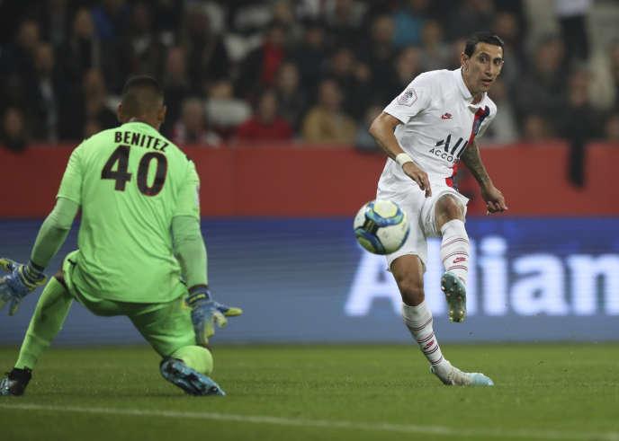 Le Parisien Angel Di Maria compte maintenant quatre buts en championnat après son doublé à Nice, vendredi 18 octobre.