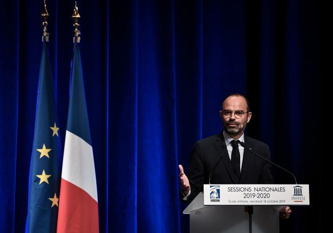 Le premier ministre, Edouard Philippe, devant devant les auditeurs de l'Institut des hautes études de défense nationale (IHEDN) et ceux de l'Institut national des hautes études de la sécurité et de la justice (INHESJ), à l'Ecole militaire de Paris, le 18 octobre.